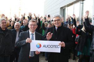 Aucotec-Vorstände Horst Beran und Uwe Vogt bei der Einweihung der neuen Firmenzentrale in Isernhagen bei Hannover.