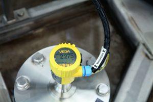 3 Radarsensor von Vega auf einem Biogas-Fermenter