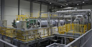 Der neue Alkali-Wasserelektrolyseur in Fukushima ist nach Unternehmensangaben das größte Single-Stack System der Welt. (Bild: Asahi Kasei)