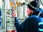 CO2-Reduktion  mit grünem H2 KIT forscht an neuem Verfahren Am Karlsruher Institut für Technologie (KIT) entsteht derzeit eine Versuchsanlage, um in einem neuen Verfahren klimaschädliches Kohlenstoffdioxid aus der Atmosphäre zu entfernen. Die Anlage soll dabei noch hochreines Kohlenstoffpulver produzieren und damit anderen Technologien überlegen sein. Bild: KIT
