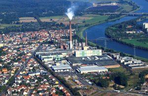 In Stockstadt am Main fertigen über 700 Mitarbeiterinnen und Mitarbeiter sowie 40 Auszubildende Zellstoff und Papier (Bildquelle: Sappi Stockstadt