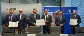 Von links nach rechts: Tomasz Stępień (Polskie LNG CEO), Piotr Naimski (Staatssekretär im Kanzleramt des polnischen Premierministers, Bevollmächtigter der Regierung für strategische Energieinfrastruktur), Piotr Kledzik (PORR S.A. CEO), Thomas Wehrheim (TGE Gas Engineering GmbH CEO), Marek Gróbarczyk (Minister für maritime Wirtschaft und Binnenschifffahr), Krzysztof Urbaś (Präsident des Verwaltungsrates der Seehäfen Stettin und Świnoujście)