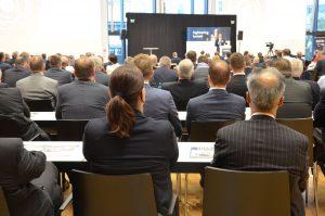 Teilnehmer auf dem 6. Engineering Summit in Wiesbaden