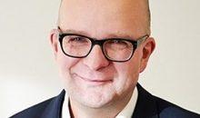 Rico Schulze, GMP und GDP-Inspektor - Sächsisches Staatsministerium für Soziales & Gesellschaftlichen Zusammenhalt, diskutiert auf der Online-Praxistagung Containment regulatorische Anforderungen an Containment-Lösungen.